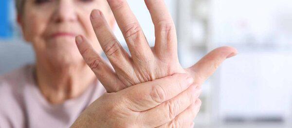 Bệnh tê tay chân có thể gây ra các biến chứng không mong muốn