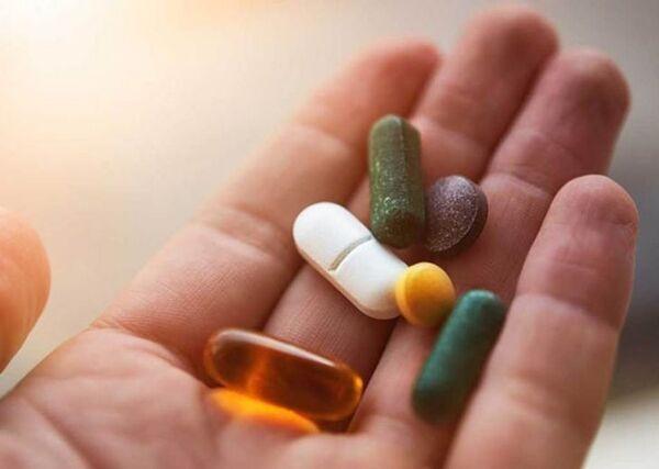 Thuốc Tây luôn giúp giảm hiện tượng tê chân tay một cách nhanh chóng