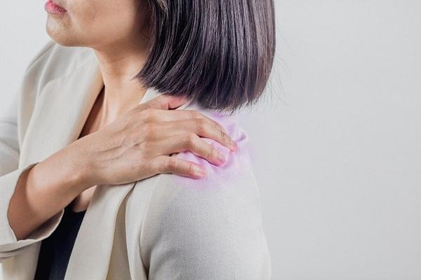 Có nhiều nguyên nhân gây ra hiện tượng đau mỏi vai gáy