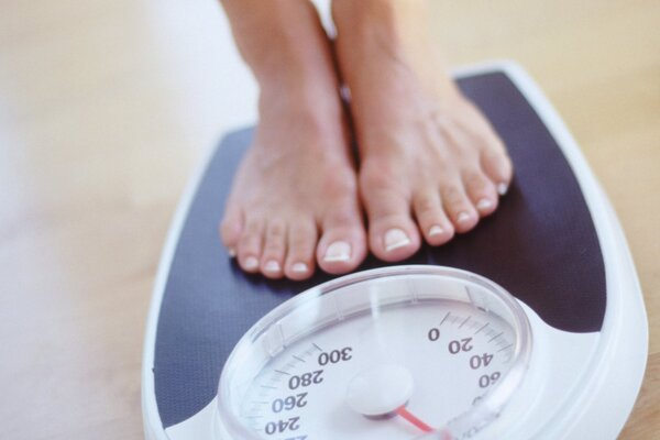 Tăng cân nhanh có thể gây áp lực lên lưng
