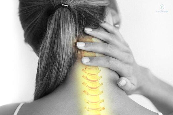Thoái hóa cột sống cổ dẫn đến đau vai gáy