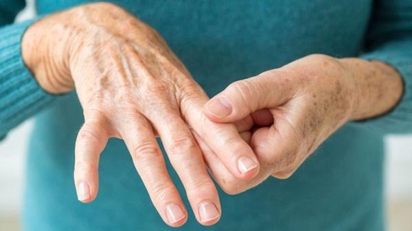 Có rất nhiều nguyên nhân gây ra bệnh tê bì tay chân