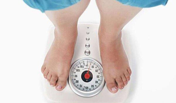 Tăng cân khiến cột sống sẽ phải gánh chịu áp lực