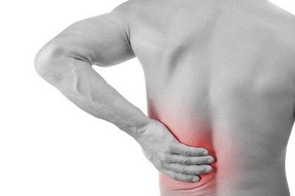 Đau thắt lưng là biểu hiện của người trưởng thành bị vẹo cột sống