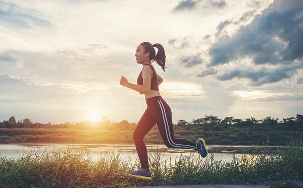Tập thể dục là cách trị cong vẹo cột sống tại nhà hiệu quả